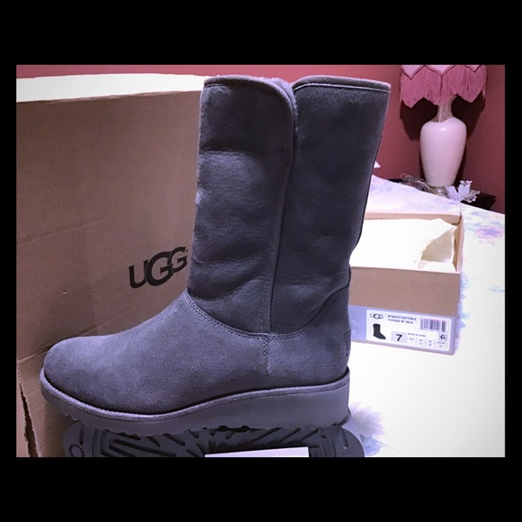 Authentic Ugg Amie Boots Grey | Poshmark